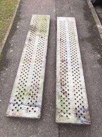 Skid ramps