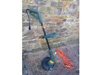 """Black & Decker GL595 electric strimmer, 375W, autofeed, 30cm (12"""") with 11m cable"""