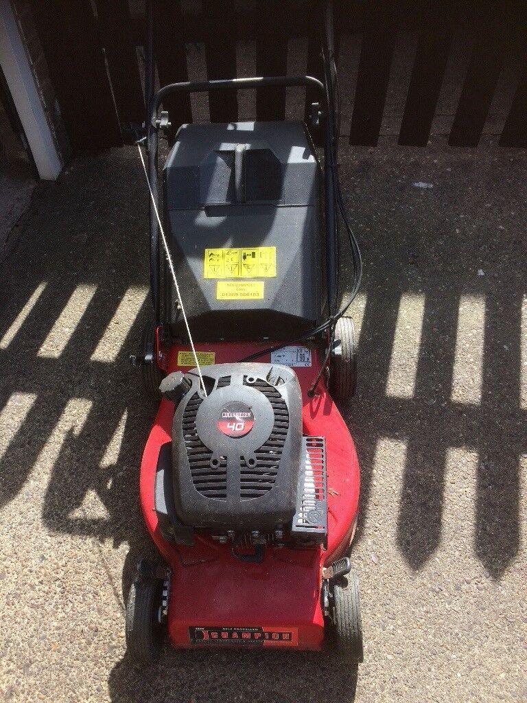 Champion 40 self propelled petrol lawn mower