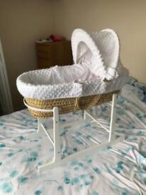 White/wicker crib and stand