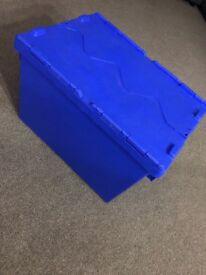 Plastic storage crates/Tub/box