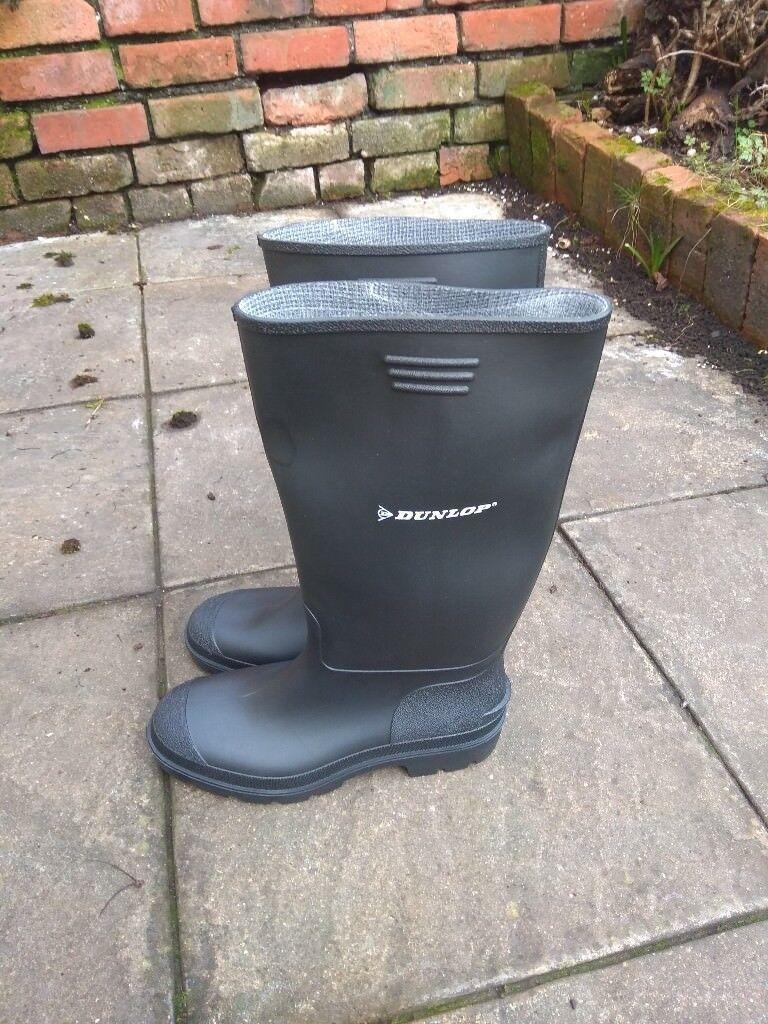 dcf4117cd01 Dunlop Pricemastor wellington boots - size 9