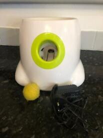 Electronic dog ball launcher