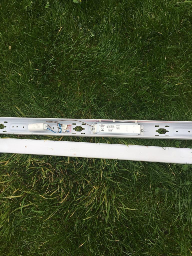 Flourescent light bracket with the bulb 4 foot standard