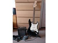 Squier By Fender Affinity Stratocaster with amp & accessories