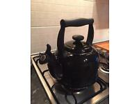 Le crueset traditional kettle