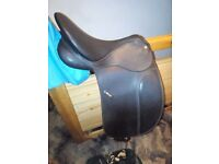 Wintec dressage saddle-17inch. Excellent condition. Hardly used.