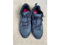 Karrimor men's black lace-up trainers