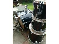 Cheap drum set.. needs parts...