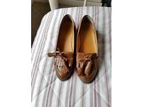 Topshop Ladies Leather Size 5 Tan Loafers