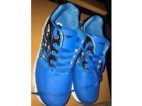 Heelys wheel shoes UK size 4