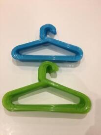 26 Kids Green Blue Hangers