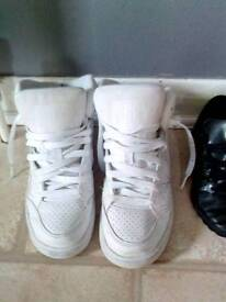 Nike trainers white size 5