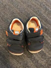 Clarks first walker boys shoes size 3,5 G