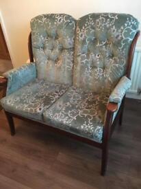 Lovely 2 seater vintage settee/sofa
