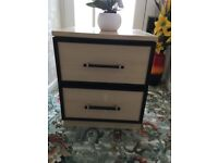 SMALL SET OF DRAWERS ONLY £5