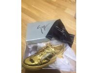 Gold giuseppe trainers