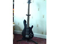 Black Knight CB-10 Bass Guitar/Peavey Max 158 Combo Amp/Accessories