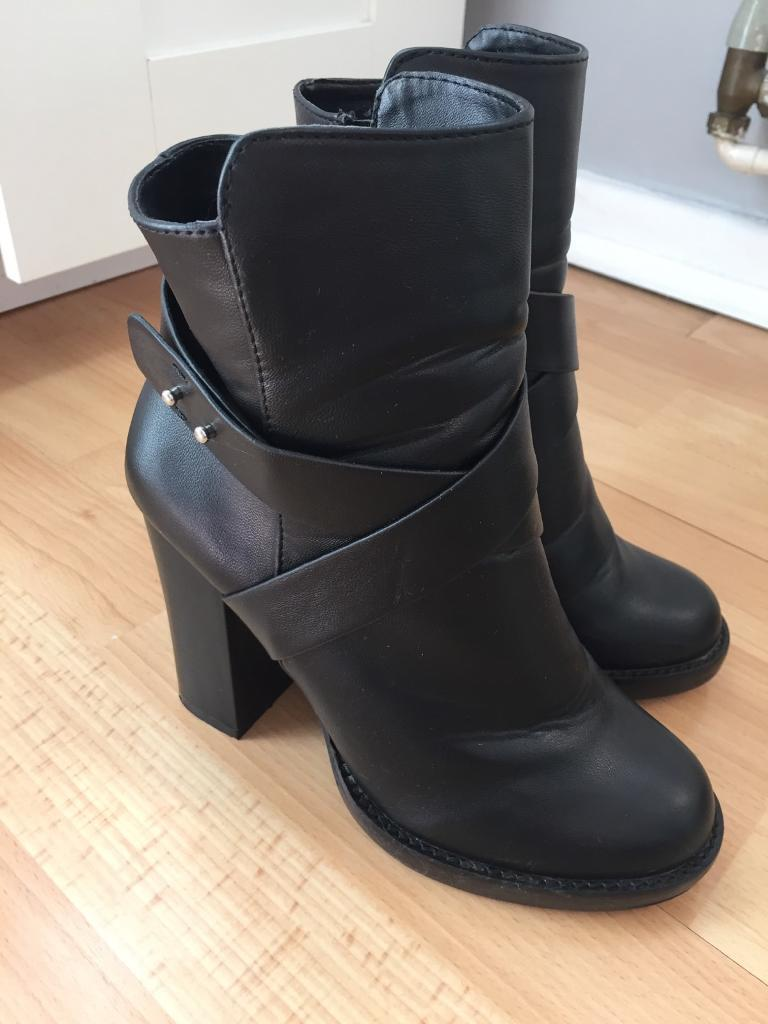 Miss Selfridge size 4 heeled ankle boot