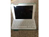 iPad Mini & Logitech case and keyboard