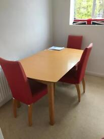 Table+ 4 chairs
