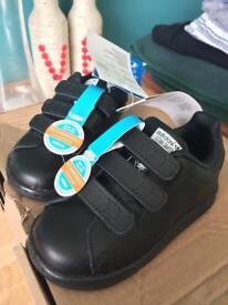 Children's Adidas trainers size 6