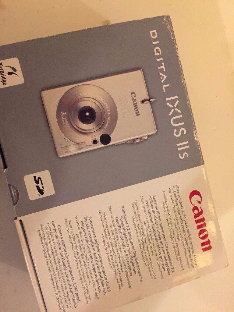 Digital camera canon IXUS