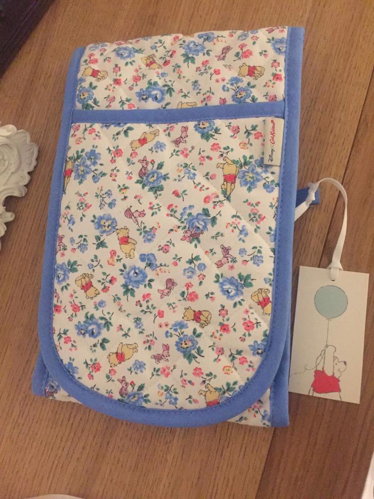 4e5ab99bdc23 Cath Kidston x Winnie the Pooh oven gloves