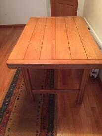 Kitchen/dining room extendable table