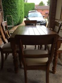 dining table and 6 chairs in good condition