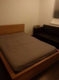 Single room at Bethnal Green/Whitechapel 5-6 mint. Also close Shoreditch,Tesco