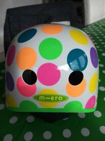 Micro safety helmet