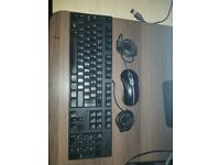 DELL KB1421/0M377H UK WIRED USB KEYBOARD + DELL Mouse, 5-Button 0MY897 MOA8BO