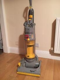 DYSON DC04 Cleaner