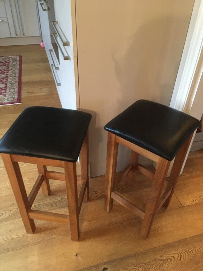 2 Solid oak black leather kitchen bar stools   in ...