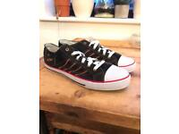 Lee Cooper size 11 trainers - NEVER WORN