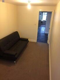 COMPACT 2 BEDROOM MAISONETTE IN UXBRIDGE