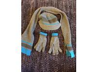 Boys hat gloves scarf age 6