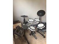 ROLAND TD-8 Drums