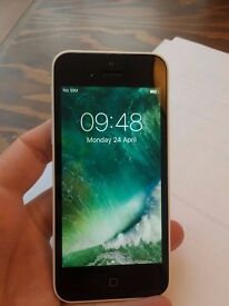 white iPhone 5C in superb condition, free for all networks