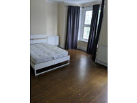 Massive Superking Bedroom to Let In Ilford With Bills £650