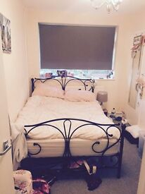 Double Room Available in Redbridge