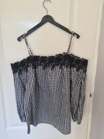 BRAND NEW: With Tags Black and White Checkered New Look Bandeau Shirt with Lace