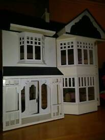 Traditional Wendy house