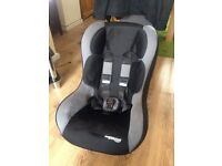 CHILDS CAR SEAT 9 months - 4 years