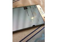 Samsung galaxy S7 edge 32GB mint and Gold and unlock to all network