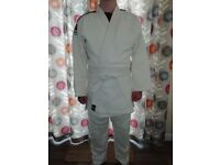 Cimac Judo Suit Adult XL good condition, white judo gi (Jacket) belt and trousers.
