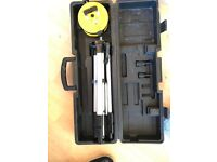Self levelling laser level kit