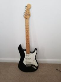 Electric Guitar Black Squier Stratocaster - Excellent Condition (with case)