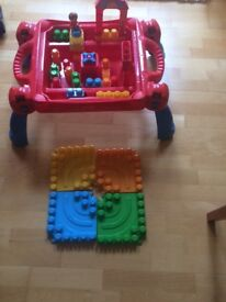 Duplo Toy Table